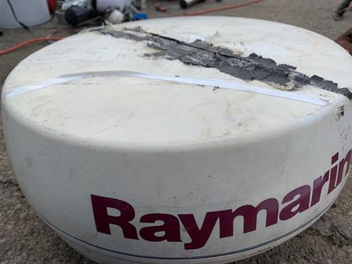 Raymarine Radar (Cover Cracked)             R14